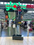 Selbstfahrende elektrische Leiter als Höhenzugangsgerät in geringen Arbeitshöhen