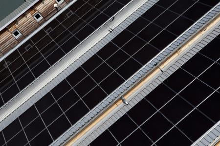 Aufdachanlage 16 kWp mit den prämierten Modulen der X-Series MICROMORPH von Inventux,  Fotograf: Tim Deussen, FOTOSCOUT Berlin
