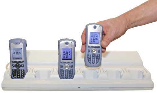 Ascom Laderegal für die IP-DECT Mobilgeräte d41 und d62