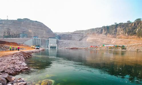 Construction of the hydroelectric power plant Lauca at the Kwanza river in Angola
