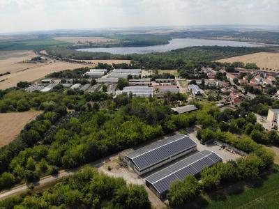 Über unseren Partner Naturstrom konnten wir uns für eine Vielzahl unserer Photovoltaik-Dachprojekte erfolgreich zertifizieren lassen.