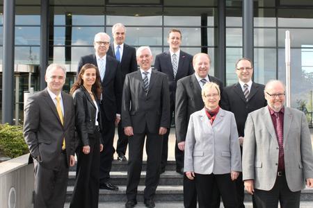 Das Bild zeigt die Partner des Fachkräftebündnisses Heilbronn-Franken am Tag der offiziellen Gründung. v.l.: Alois Schöllhorn, Elke Schweig, Martin Diepgen, Guido Rebstock, Rolf Blaettner, Ralf Schnörr, Ulrich Bopp, Silke Ortwein, Dr. Andreas Schumm, Bernhard Löffler