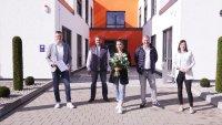Gruppenbild, v.l.n.r.: Teamleiter Benjamin Schlichting, HFO Telecom Geschäftsführer Andreas Hampel, Stephanie Heinz, HFO-CEO Achim Hager, Personalreferentin Gloria Schuch