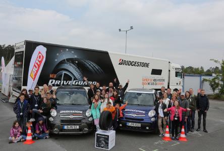 Zehn Familien testeten DriveGuard am Hockenheimring