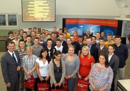 42 junge Menschen hatten am Montag (1.) ihren ersten Arbeitstag bei der HEAG Südhessischen Energie AG (HSE).