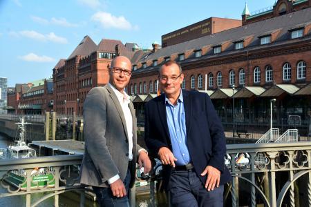 Thomas Neef, Geschäftsführer praxis PLUS award GmbH zusammen mit Axel Link, Geschäftsführer German health tv GmbH