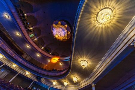 LED-Glühlampen aus dem Hause vosla setzen seit Kurzem auch das Vogtland-Theater in Plauen perfekt in Szene (Bildnachweis: Karsten Uhlmann)