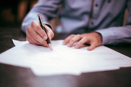 Für viele ungewohnt: Das Schreiben mit der Hand.