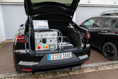 A mobile e-mobility measuring lab in the trunk - The comemso EVCA Multi Mobile