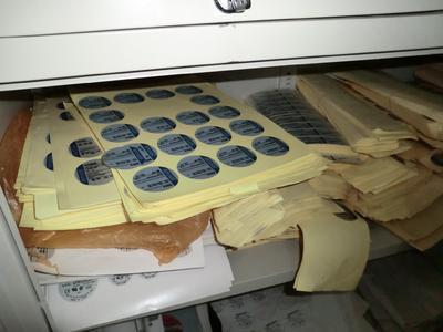 Mehrere tausend gefälschte ebm-papst Markenlabels
