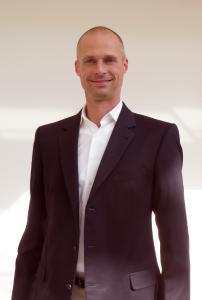 Dr. Gerald Kromer