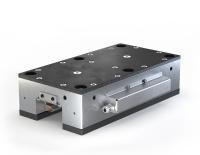 Die Stufenlose Haltebremse (SHB) von LEANTECHNIK sichert Anlagenteile auch im laufenden Betrieb gegen ein plötzliches Absinken