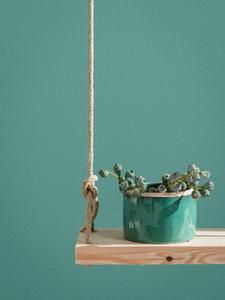 Dezente Anmutung: mit Capadecor ArteDolce lassen sich glatte Wände mit reduziertem Effekt in warm-weichen Farbtönen im Bürstenauftrag gestalten (hier im Farbton Patina 75) (Foto: Caparol Farben Lacke Bautenschutz)