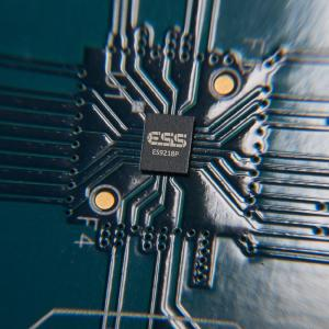 LG V30 mit zarten Akkorden oder Donnerhall