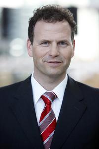 """Martin Hofer, Vorstand der Wassermann AG, übernimmt auf dem Materialfluss-Kongress die Moderation der Vortragsreihe """"Lean & IT in der Supply Chain"""" / Foto: Wassermann AG"""