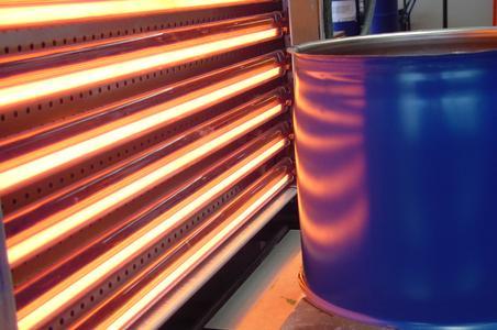 Infrarot-Wärme hilft Schutzlacke auf Blechdosennähten effizient zu trocknen