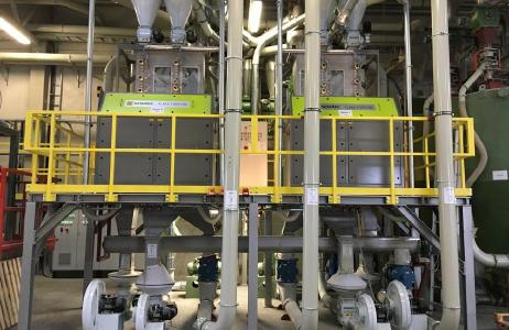 In the recycling plant of MultiPet GmbH FLAKE PURIFIER+ multi-sensor sorting systems from Sesotec separate discoloured materials, foreign plastics and metals from the flakes (Picture: Sesotec GmbH)