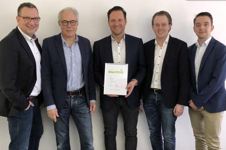 Die ZMI GmbH wurde als PCS Excellence Partner ausgezeichnet (v.l.n.r.: Matthias Kleemeier (PCS), Eberhard Goldammer (PCS), Daniel Vogler (ZMI), Jonathan Martin (ZMI), Markus Knies (PCS))