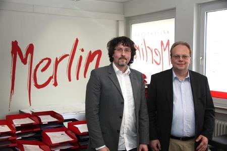 Frank Dittmann, Gründer und Inhaber der Merlin Firmengruppe (rechts), mit Gerhard Engels, Geschäftsführer der Merlin Belichtungsservice GmbH in Dortmund