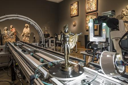 """The """"Apollo Belvedere"""" (1497/98) by Renaissance Sculptor Pier Jacopo Alari Bonacolsi (ca. 1460–1528), known as Antico, at the mobile digitization lab CultLab3D of Fraunhofer IGD at the Medieval Room of the Liebieghaus Skulpturensammlung (Foto: Norbert Miguletz © Liebieghaus Skulpturensammlung)"""