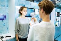 Die Bildungsinitiative expedition d informiert mit einem Erlebnis-Lern-Truck und mit Webinaren über die digitalisierte Arbeitswelt. (C) Baden-Württemberg Stiftung gGmbH