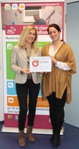 Dr. Margot Klinkner (li) mit Sarah Hennemann (re)
