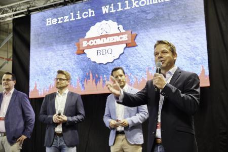 B+S-Geschäftsführer Manuel Unkel begrüßte die Teilnehmer des zweiten E-Commerce BBQ. (Foto: B+S)
