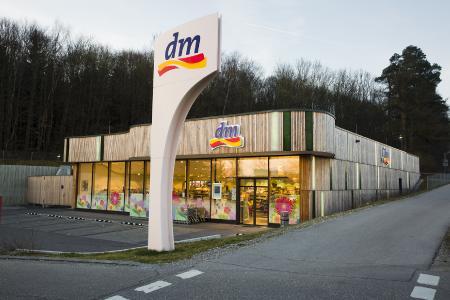 dm-drogerie markt GmbH arbeitet mit noventum HR-Analytics