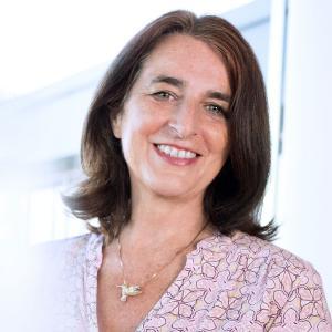 Die international erfahrene IT-Managerin Brigitte Falk kommt bei Industrie-4.0-Spezialist FORCAM an Bord