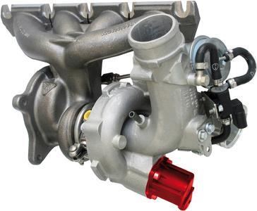 Schubumluftventil hervorgehoben in rot am Turbolader eines Audi A3 2.0 TFSI