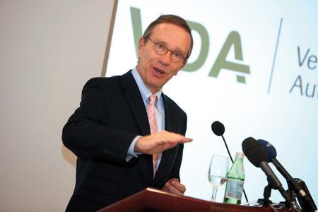 """VDA-Präsident Matthias Wissmann rechnet im Jahr 2011 mit neuen Rekordmarken beim Pkw-Export und der Inlandsproduktion. Anlass zu """"Jubelstürmen"""" gebe es allerdings nicht / Foto: Auto-Medienportal.net"""