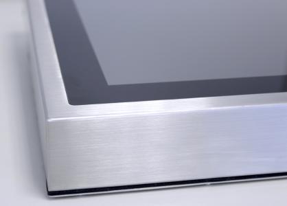Hochwertige Verarbeitung, Widerstandsfähige Konstruktion aus gebürstetem Edelstahl und eine ebene Multi-Touch-Oberfläche ohne störende Schmutzkanten zeichnen die Edelstahl-Industrie-PCs aus