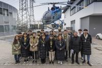 Die südkoreanische Studentendelegation zu Besuch bei Airbus Helicopters in Donauwörth (Foto: CCeV/Airbus Helicopters)
