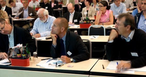 Aufmerksame ZuhörerInnen an der NanoConvention 2009 im Swissôtel in Zürich-Oerlikon