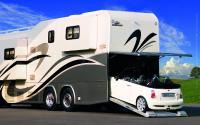 2008. Gleich drei ausfahrbare Wohnraumerker UND PKW Garage für maximales Raumangebot und größtmögliche Mobilität