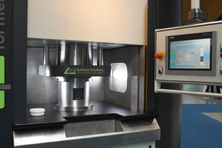 El Abrasive Flow Machining (AFM), también llamado «mecanizado de flujo abrasivo», se aplica tanto a la fabricación de componentes convencional como a la aditiva para el desbarbado y la fabricación de superficies de precisión / Fuente de la imagen: fairXperts