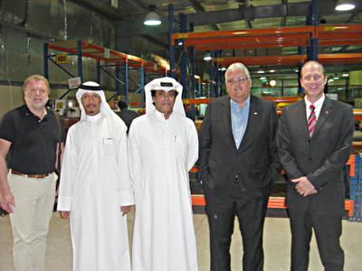 Gemeinsam für eine starke Intralogistik: Die Vertreter der Gebhardt Fördertechnik GmbH und Mitglieder der Qatar Foundation