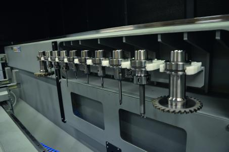 Werkzeugmagazin mit zehn Werkzeugplätzen / Bildnachweis: Schüco International KG