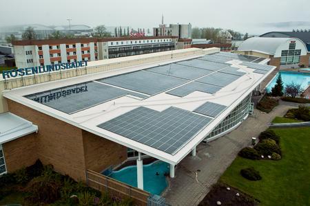 Die Kommune Jönköping investiert in Solarkraft auf Flachdächern öffentlicher Einrichtungen