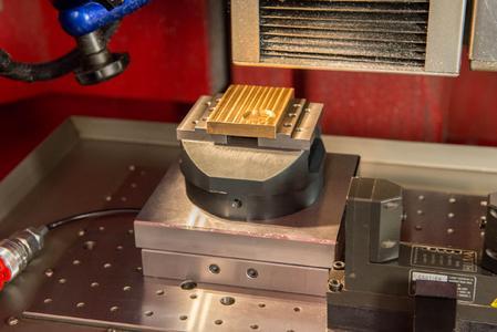 Beim Wechsel von der DMG-Maschine auf die Kern wird eine Wiederholgenauigkeit von sagenhaft niedrigen 1,3 µm gemessen.