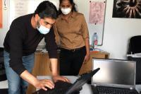 Inwerken spendet Laptops, um Geflüchtete beim digitalen Lernen zu unterstützen.