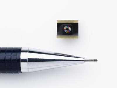Im Vergleich: der JENCOLOR Multiple Color Sensor MMCS6