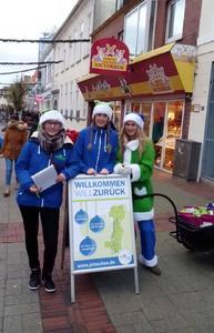Das Team der Rückkehreraktion in Aurich vom 21. Dezember 2015. Von links: Martina Röben, Mareike Meyer und Linda Röben.