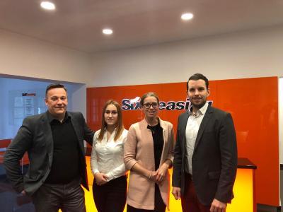 v.l.r.: Jürgen Benzinger (CEO, Orbix GmbH), Marie Benzinger (Junior Account Managerin, Orbix GmbH), Christina Fikentscher (Senior Agent Vehicle Sales, Sixt Leasing SE), Andreas Birgmann (Team Lead Remarketing, Sixt Leasing SE)