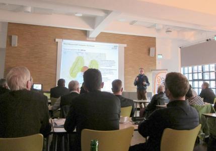 ABO Wind-Projektleiter Jörg Wirtz stellte CO2-freie Mobilitätsoptionen am Beispiel von Logistikzentren und Busdepots vor