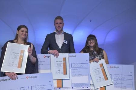 Die Preisträger von Best Azubi 2018 (v. l.): Zweiter Platz für Chantal Werz, erster Platz für Fabio Felsmann, dritter Platz für Gabriela Robustelli, Bildrechte: Perez/VR