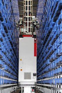 Durch die Erweiterung konnten weitere 8.000 Behälterstellplätze auf 20 Ebenen geschaffen werden, um dem Wachstum gerecht zu werden und Lagerengpässen vorzubeugen.