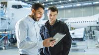 Der MBA Business Consulting vermittelt fundiertes betriebswirtschaftliches Wissen, das die Ingenieure auf der Karriereleiter nach oben bringt / Foto: Shutterstock