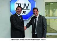 Stefan Schmidt, RISIMA Consulting mit Rainer Seidlitz, TÜV SÜD