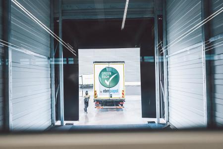 Gut und sicher verpackt geht es für die Produkte Richtung Kunde / Foto: Philipp Reinhard
